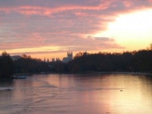 London Serpentine sunrise view